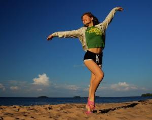on-the-beach-1387746-1279x852
