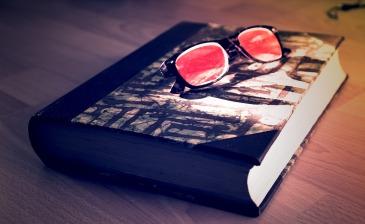 book-1569032_1280